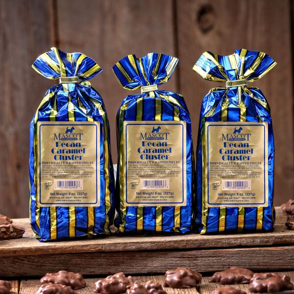 3 8oz bags of pecan caramel clusters