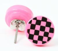 Check pink circular reference stud