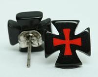 Hero cross / cross black-red circular reference stud