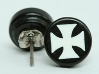 Hero cross black-white circular reference stud