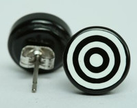 Circle black circular reference stud