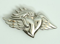 Heart wings medium buckle