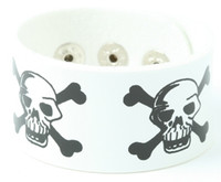 Skull angry white big stripes & checker