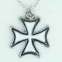 Herocross white mix necklace