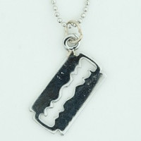 Razor blade mix necklace