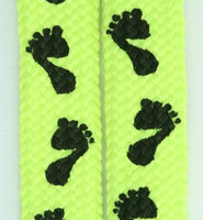 Feet yellow mix shoelace
