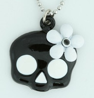 Skull flower black-white skull necklace