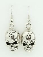 Skull skull pendant