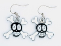 Cross eye black-white skull pendant