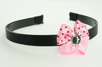 Skull tooth black light pink bow & skull