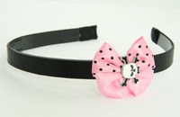 Skull tooth white light pink bow & skull