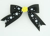Bl-white / flower yellow black-white flower