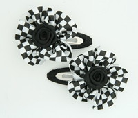 Check small white flower hair clips pair