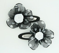 Dot TR black-white flower hair clips pair