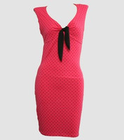 Front - DV dot S pink V neck pin up