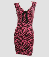 Front - DV zebra pink V neck pin up