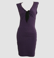 Front - DV dot L purple V neck pin up