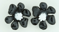C flower black-white colorful stud
