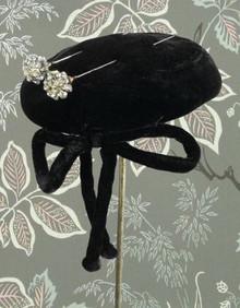 1950s black velvet fascinator