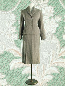 Classic 1940s 3 piece suit in gray & smoke tweed
