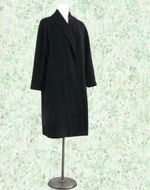 Elegant black cashmere coat from Tobey's