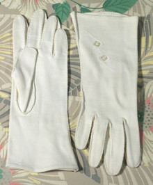 Creamy cotton gloves