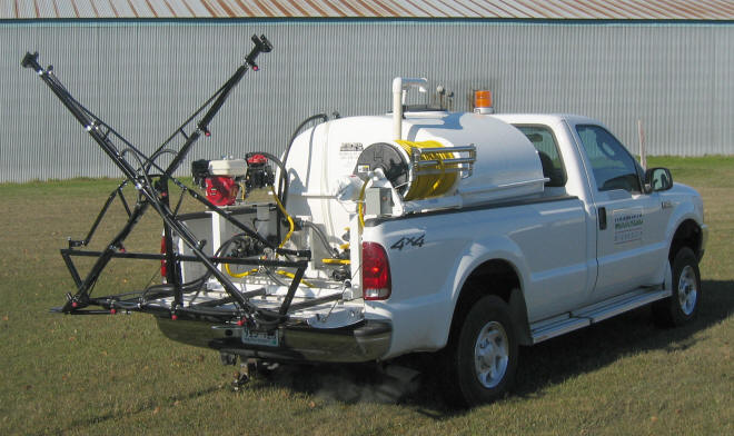 sprayer-lawncare-with-boom-folded.jpg