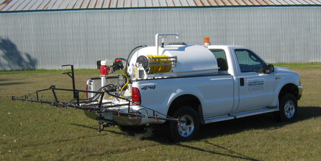 sprayer-lawncare-with-boom.jpg