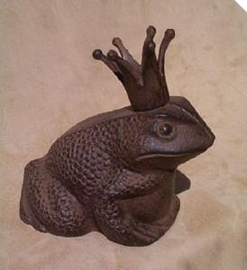Fairy tale Frog Prince Charming garden statue ~ cast iron door stop