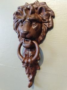 Medium cast iron lion door knocker ~ rust