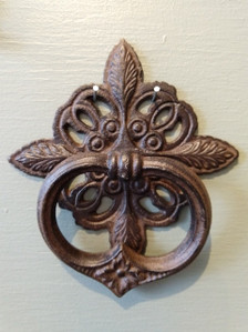 Cottage Door Knocker ~ rust
