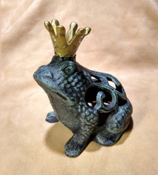 Filigree frog prince
