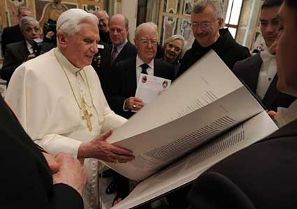 pope-and-bible.jpg