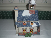 DEPT. 56 NEW ENGLAND VILLAGE PORCELAIN BUILDING WITH LIGHT CORD-WALTON GREEN CHURCH