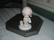 PRECIOUS MOMENTS PORCELAIN FIGURINE-A SPECIAL CHIME FOR JESUS