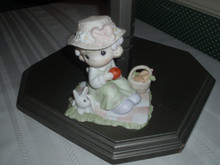 PRECIOUS MOMENTS PORCELAIN FIGURINE EVENT PIECE-WE'RE SO HOPPY YOU'R HERE