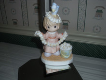 PRECIOUS MOMENTS PORCELAIN FIGURINE-THINGS ARE POPPIN AT OUR HOUSE THIS CHRISTMAS