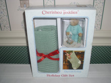 CHERISHED TEDDIES 2001 HOLIDAY GIFT SET