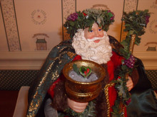 POSSIBLE DREAMS CLOTHIQUE FIGURINE- WASSAIL