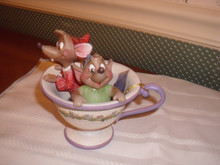 DISNEY TRADITIONS-JIM SHORE -JAQ AND GUS FROM CINDERELLA IN TEA CUP FIGURINE-NEW IN BOX