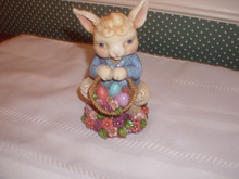 JIM SHORE 2018-PINT SIZED EASTER FIGURINE-BUNNY WITH BASKET-NEW IN BOX