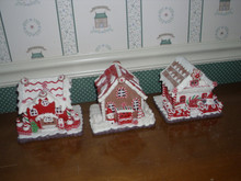 """KURT ADLER 5.6"""" H BATTERY OPERATED RED/WHITE ICING LED GINGERBREAD HOUSE SET.NEW IN BOX"""