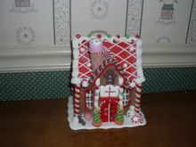 KURT ADLER 8' BATTERY OPERATED GINGERBREAD HOUSE WITH GREEN/RED ACCENTS-NEW.