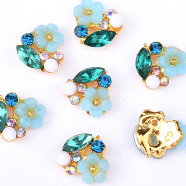 3D Flower Nail Charms - Set of 10 Nail Decorations with Rhinestones and Synthetic Pearls