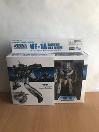 Macross Series 1 VF-1A Valkyrie Max Jenius 1/100 Scale Action Figure