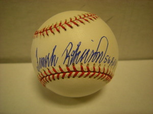 Frank Robinson Auto American League Baseball 56ROY
