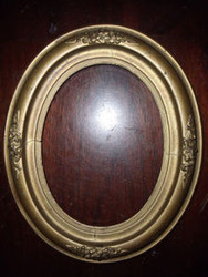 LOVELY OLD GOLD OVAL FRAME CA 1890-1900 WITH GLASS  WOOD