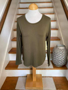 Long Sleeve Crew Neck Top (2 colors)