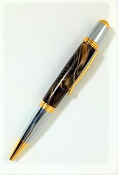 Brown with white Carlyle pen