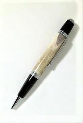 Elk antler pen